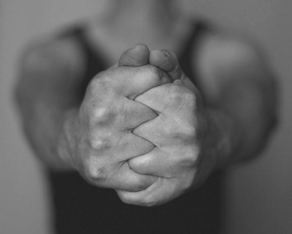 Fingers Close to Fretboard (4)