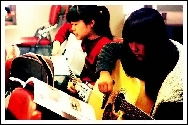 Guitar Lesson Plan and a Guitar Teacher's Syllabus