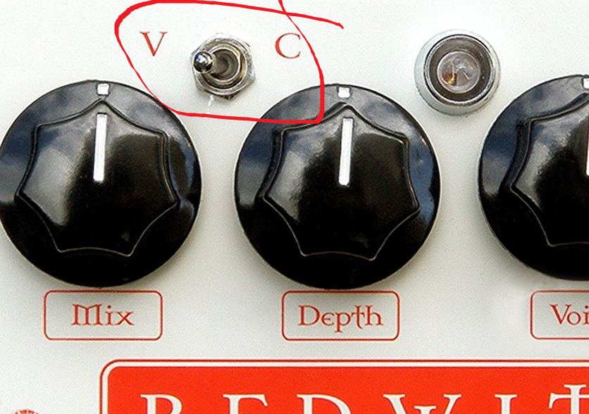 Red Witch Empress Chorus Mode (chorus - vibrato switch closeup)