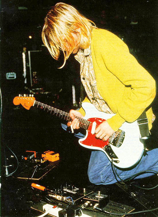 Kurt Cobain's Chorus Pedal - The EHX Small Clone