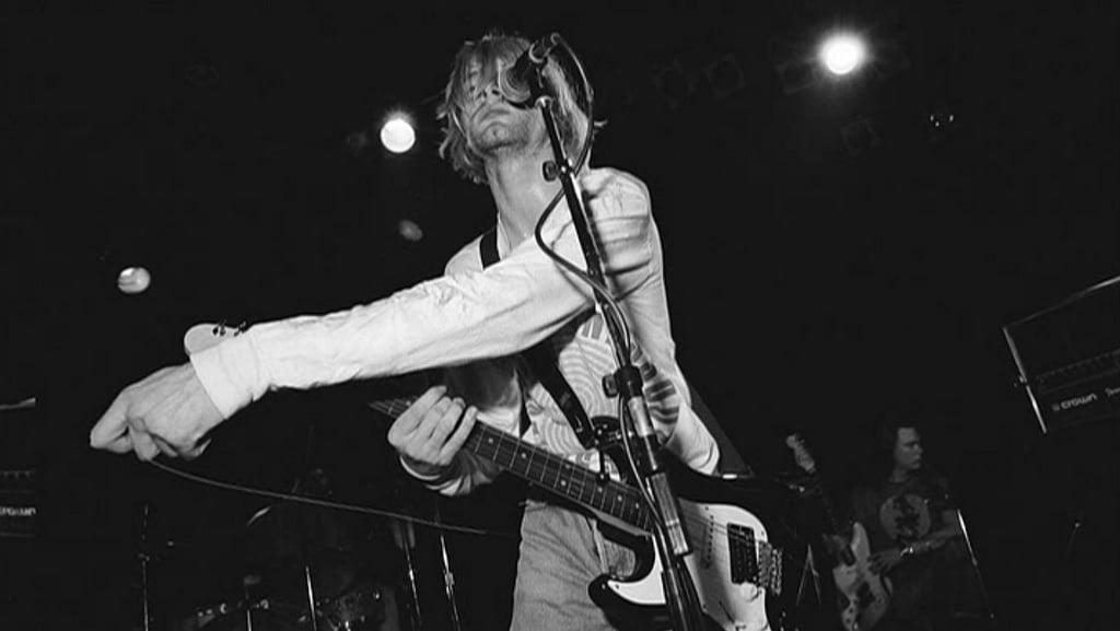 Kurt Cobain Live Image