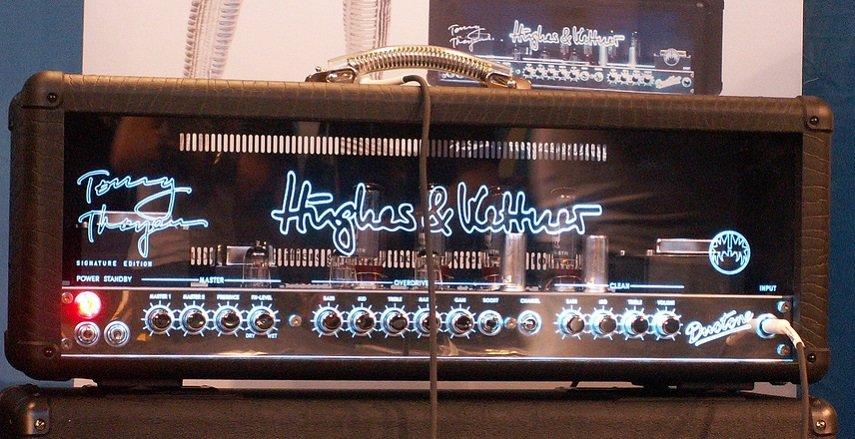 Hughes & Kettner Tubemeister 40 Amp Head (glow)