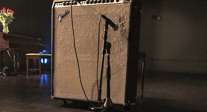 Fender Amp with Mic'd Speaker Cab