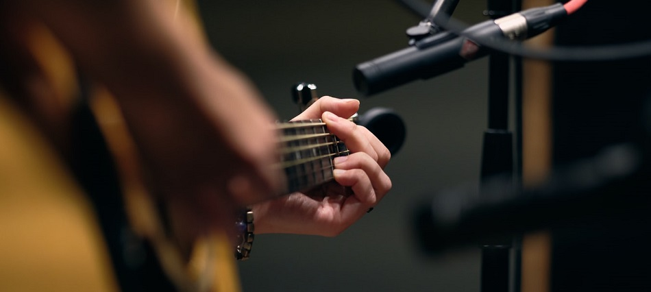 Learning Guitar Chords Banner Photo