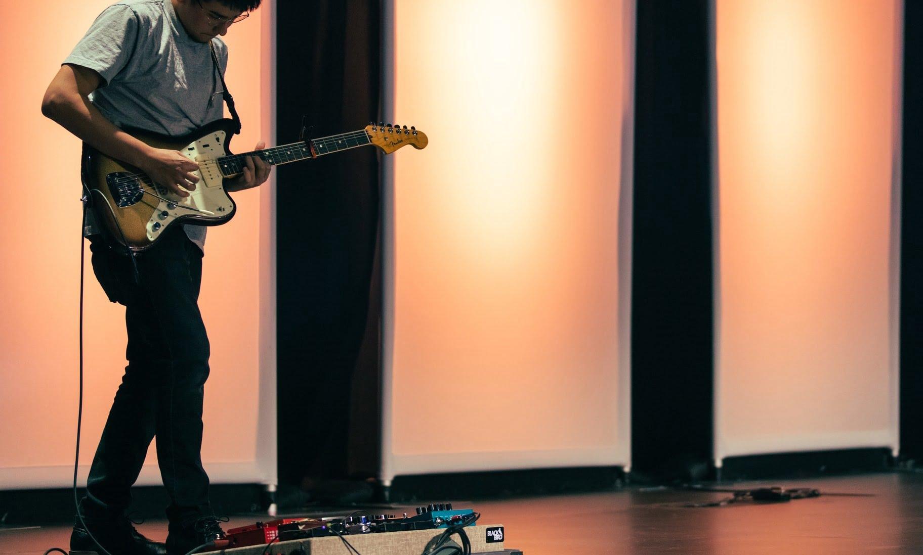 Rhythm or Lead Guitar: Which one?