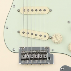 Fender Deluxe Stratocaster Product Square