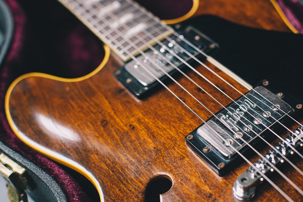 Gibson ES-335 Top-Down