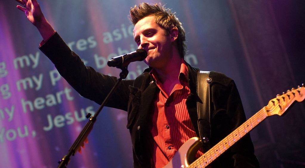 Lincoln Brewster Leading Worship